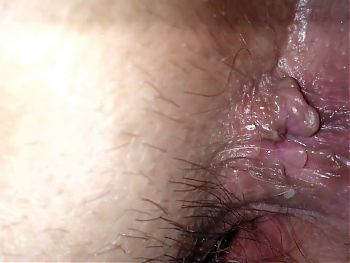 fucking her pussy