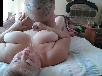 she jerks off my cock and gets a load of sperm