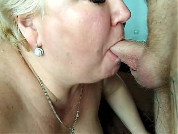 I finished my wife in the mouth after a good blowjob 4